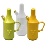 Wade Vinegar Cruet for Limited Hand Strength in Fine Earthenware